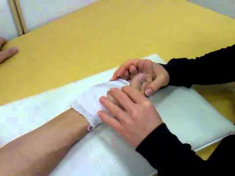 az ujjak ízületeinek mozgástalansága