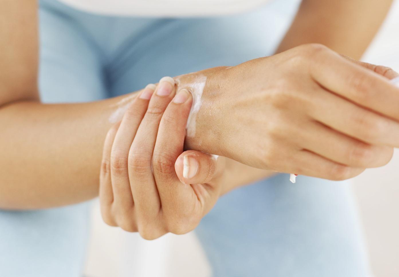 csuklófájdalom melyik orvoshoz
