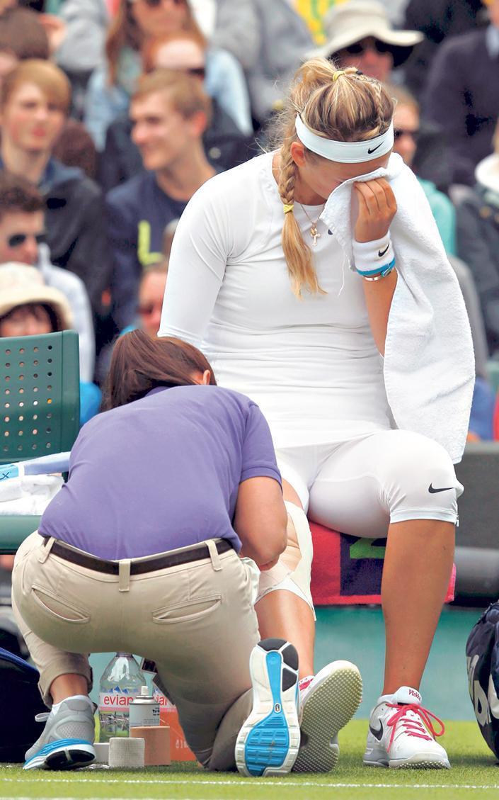 Kiütötte a teniszezőket a fű - Blikk