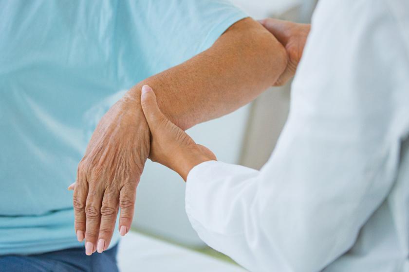 ízületi gyulladás megnyilvánulása a karokban
