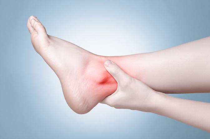 miért fáj a bokám