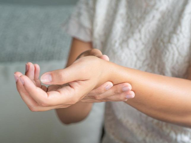 az ecsetkezelés ízületeinek ízületi gyulladása gyorsan enyhíti a térdgyulladást
