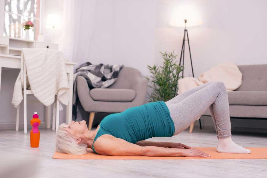 hogyan lehet csökkenteni a csípőízületek fájdalmát)