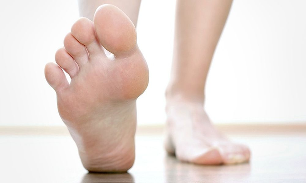 a lábra való lépés térdízületet fáj)