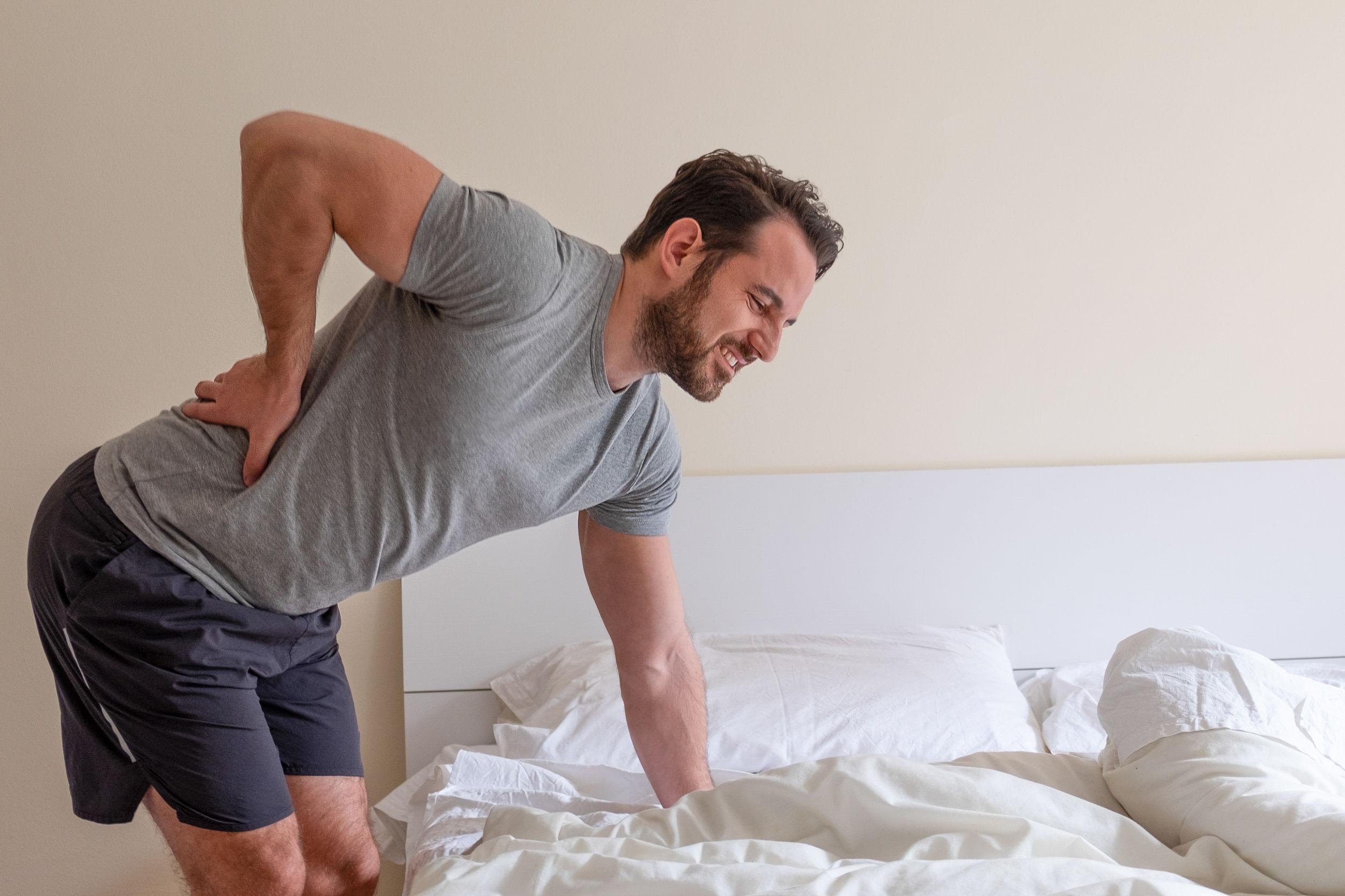 Lábgörcsök: Mi okozza az akut fájdalmat a borjú izmokban, és hogyan lehet eltávolítani?