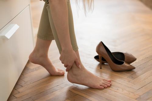 hogyan kell kezelni a lábfájást