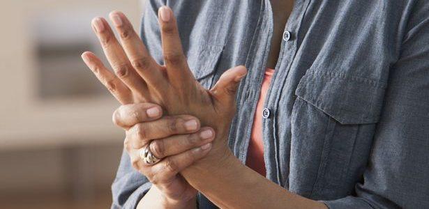 minden ízület fáj a duzzanatról ízületi fájdalom, bőrkiütés