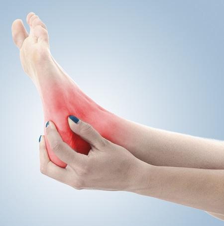 ízületi fájdalom és zsibbadás a lábán