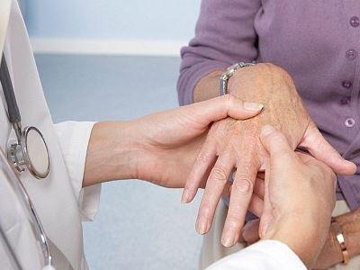 fájdalom a kéz ízületeiben belülről